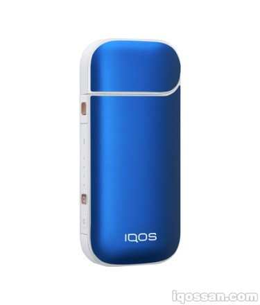 IQOS® スキン オーシャンブルーを白アイコスに装着