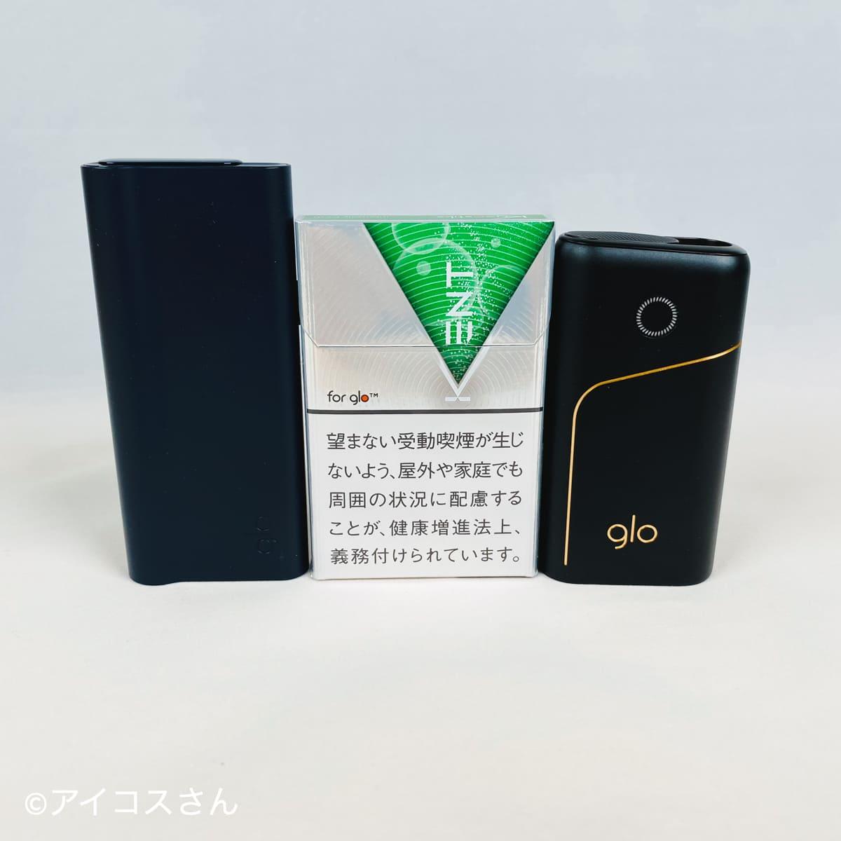 左から「グロープロスリム」、専用たばこスティック「ケント」、「グロープロ」が並ぶ。